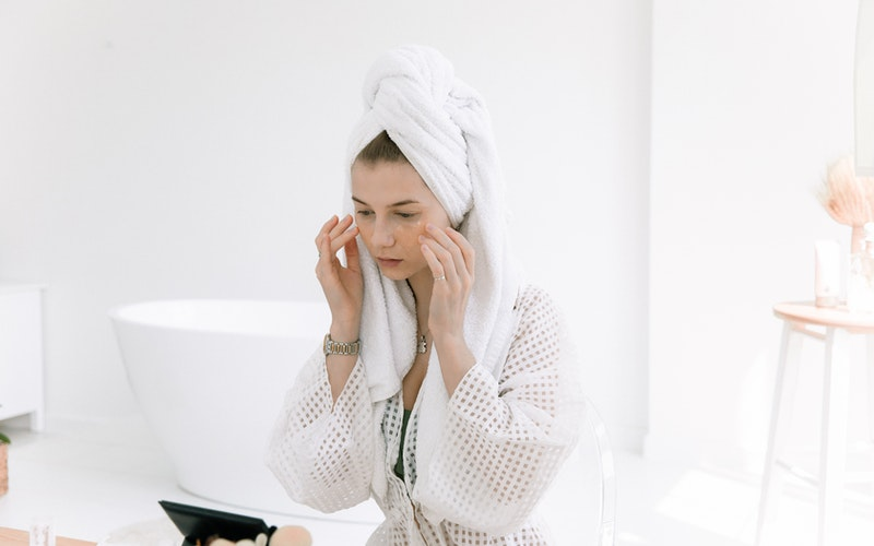 Top 10 Skincare Steps to Follow in the Morning (in Order) If You Want to Go All the Way