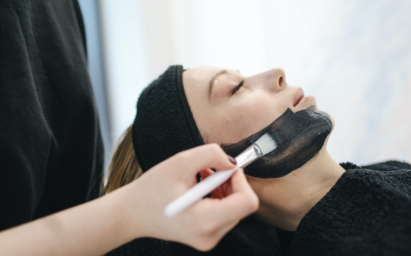 Top 10 Weirdest and Disturbing Beauty Treatments That People are Willing to Go Through