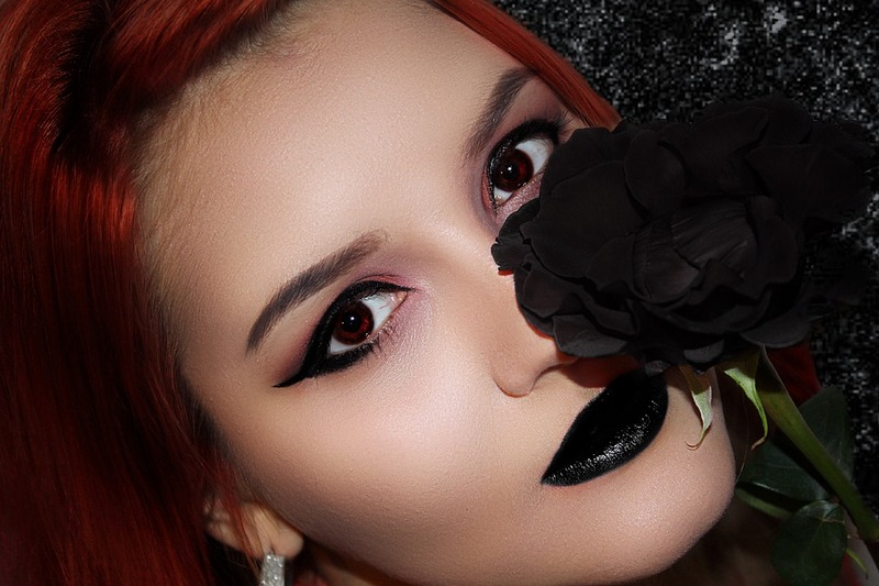 Top 10 Reasons to Wear a Dark Lipstick (and How to Wear It)