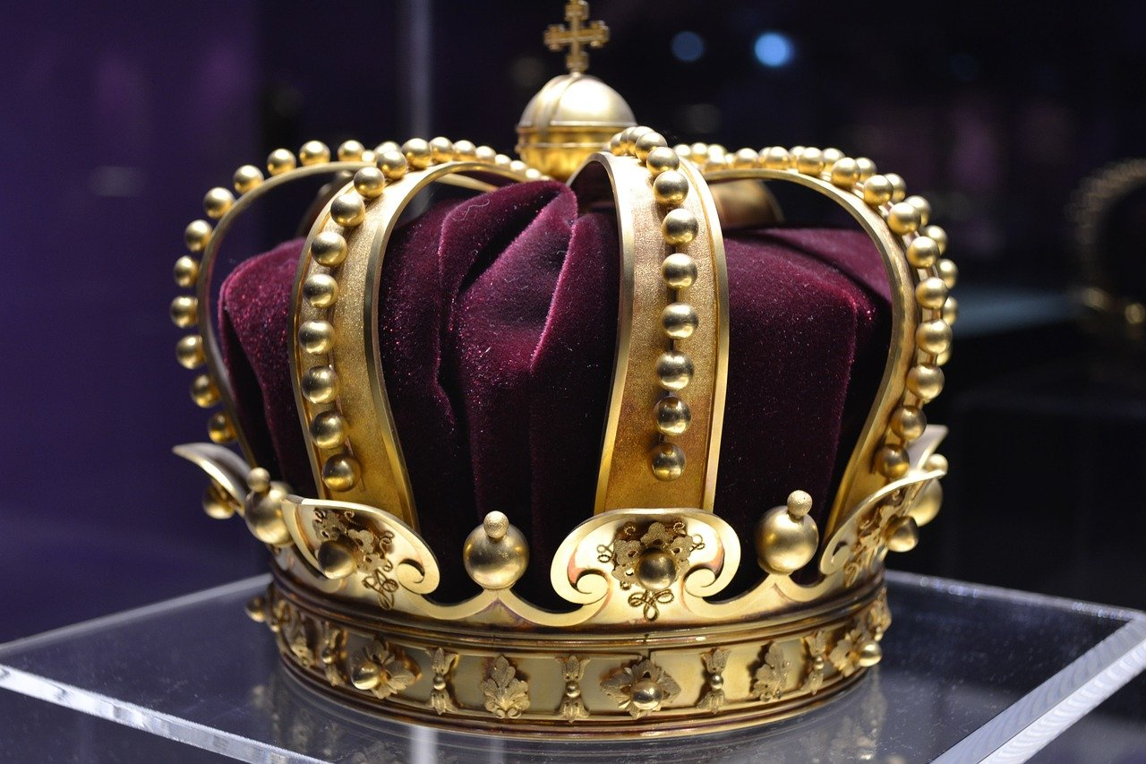 Top 10 Europe's Monarchies and Their Less Famous But Still Royal Families