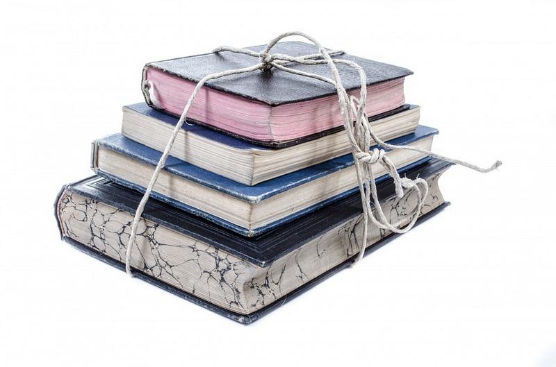 "Top 10 Reasons to Read Elena Ferrante's Modern Classic ""Neapolitan Novels"""